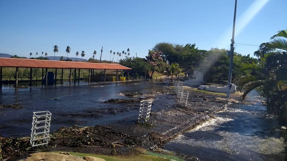 TRAGÉDIA ANUNCIADA – Ação desastrosa na liberação de vazões, provoca devastação do Balneário em Paramirim