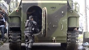 Exército fará até 'guerra na selva' em cerco a tráfico na Rocinha