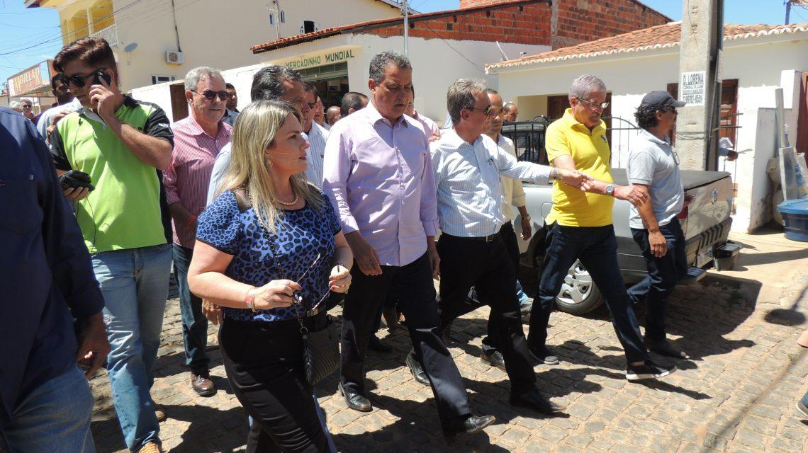 Dom Basílio faz festa para receber o governador do estado Rui Costa